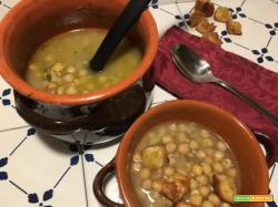 Zuppa di ceci con sedano e limone