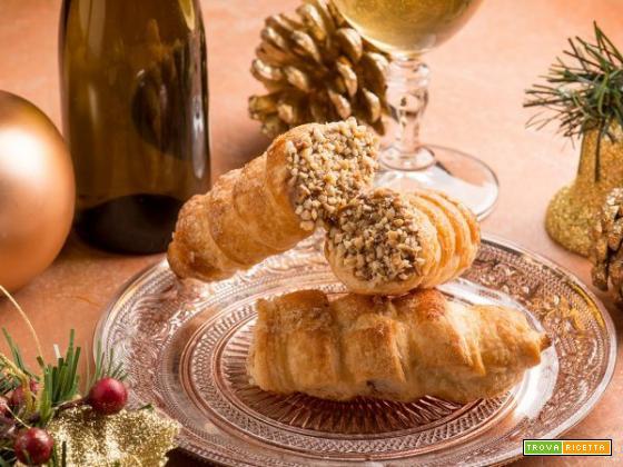 Cannoncini con crema pasticcera: eleganza e gusto