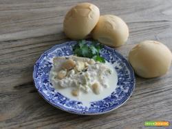 Pollo allo yogurt greco e mandorle