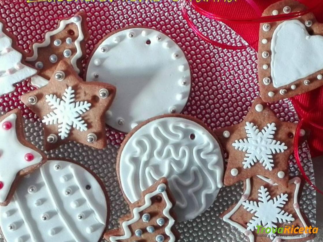 Regalare Biscotti Di Natale.Biscotti Di Natale Da Regalare O Appendere Ricetta Trovaricetta Com