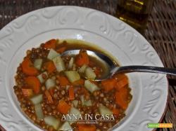 Zuppa di lenticchie carote e patate