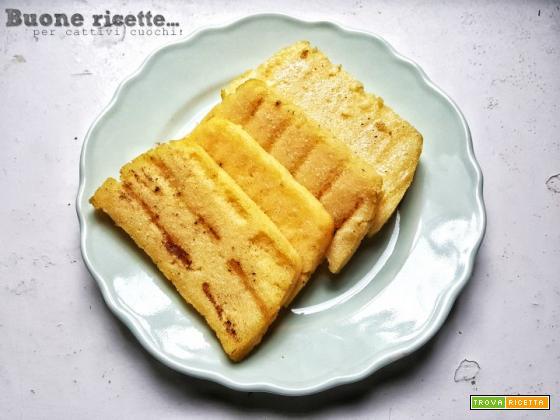 Crostini di polenta ripassati in padella