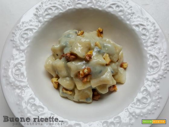 Gnocchi al gorgonzola e noci