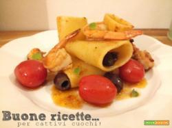 Paccheri pomodorini olive e gamberetti