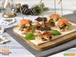 Tartine al salmone affumicato e paté di olive