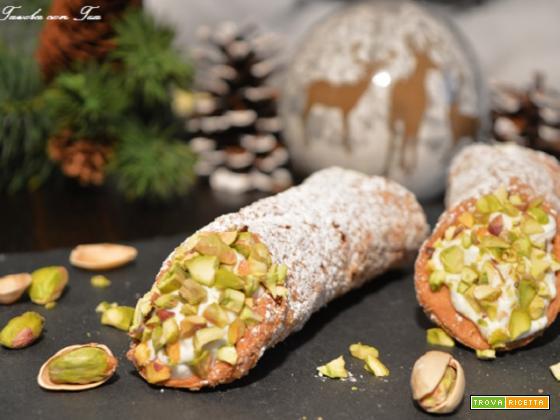 Cannolo siciliano al pistacchio