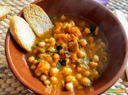 Zuppa di ceci, zucca e bietole