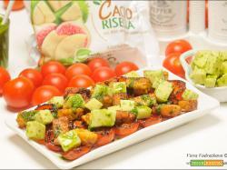 Dadolata di tempeh e caciorisella con la salsa verde