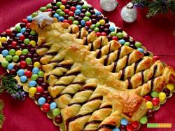 Albero di Natale di pasta sfoglia e nutella