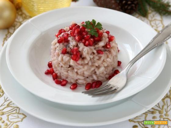 Risotto allo spumante e melagrana: ideale per il pranzo di Natale
