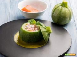Zucchina tonda ripiena con salmone e ricotta: per depurare il nostro corpo