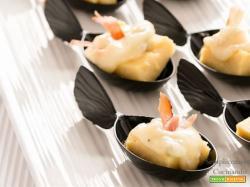 Polenta di ceci, gorgonzola e speck: un finger food golosissimo
