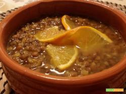 Zuppa di lenticchie all'arancia