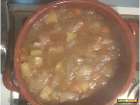 Zuppa di vitello con verdure