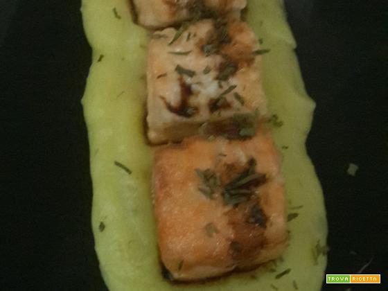 Quadrotti di salmone