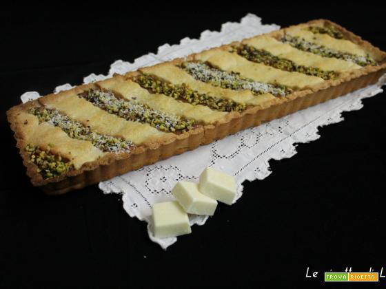 Crostata con crema al cioccolato bianco e pistacchi