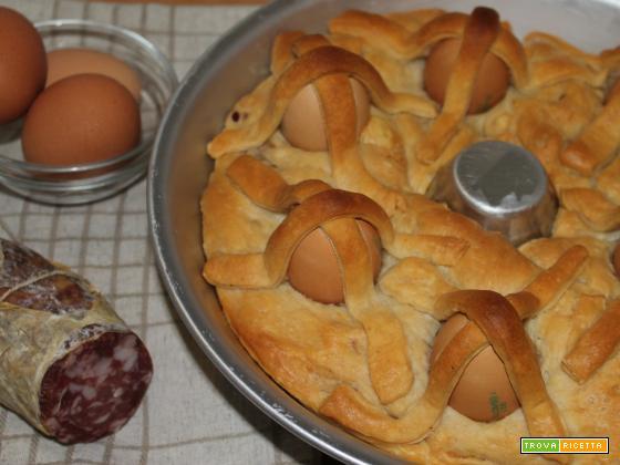 Casatiello, Sua Maestà - torta salata napoletana di Pasqua
