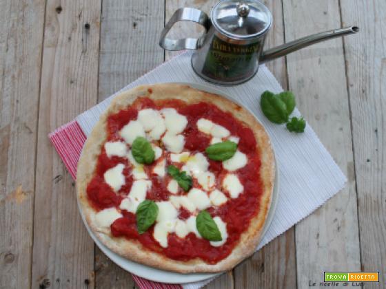Pizza al piatto, scusate se la chiamo Margherita
