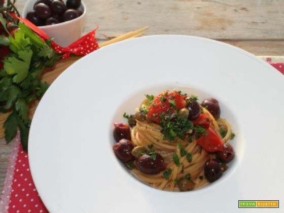 Spaghetti alla Puttanesca, un gustosissimo piatto della tradizione napoletana