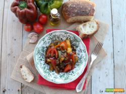 Peperonata Lucana, una delle versioni regionali per gustare i peperoni