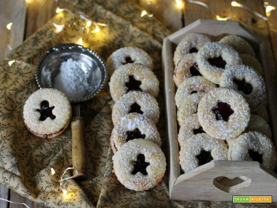 Spitzbuben, biscotti con marmellata tipici dell'Alto Adige