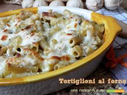 Tortiglioni al forno con carciofi e mozzarella