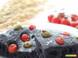 Focaccia Nera al carbone vegetale