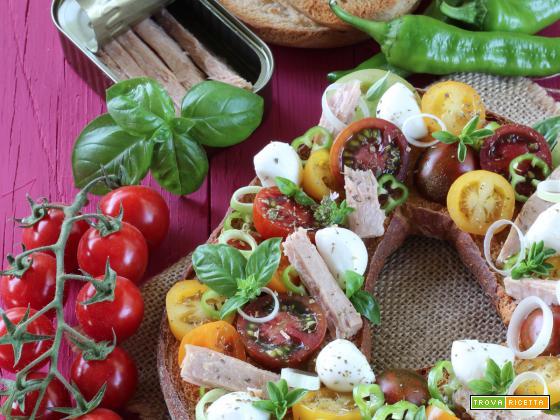 Frisella con Insalata di Pomodori