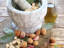 Pesto di Salvia e Mandorle