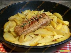 Filetto di maiale con patate cotto in padella