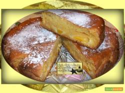 Torta Soffice con Pesche Sciroppate