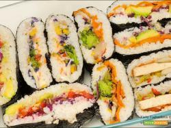 Onigirazu veloce e colorato con mix di verdure