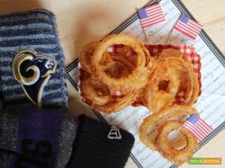 Onion rings: anelli di cipolla fritti in pastella di birra