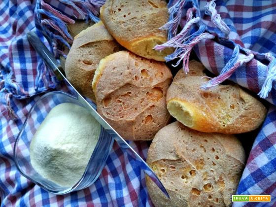 Panini di semola di grano duro con lievito madre