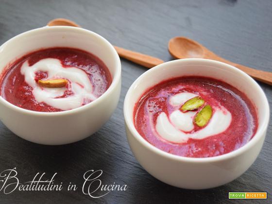 Zuppa di barbabietola, zenzero e latte di cocco seguilestagioni