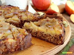 Torta rovesciata alle mele e spezie: l'originalità è benvenuta a tavola!