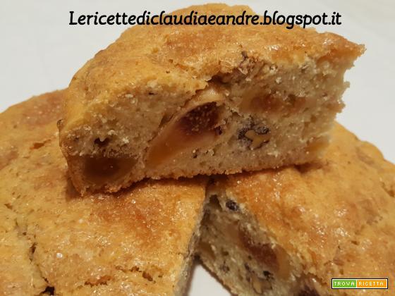 Torta con fichi secchi e noci al olio e acqua