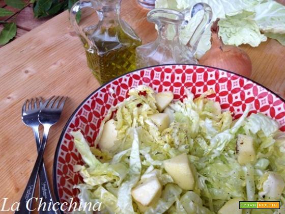 Insalata di verza e mela con vinaigrette