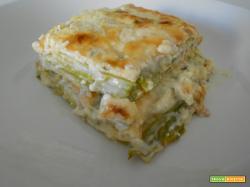 Parmigiana bianca di zucchine | Ricetta