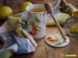 Tisana al limone con miele curcuma e zenzero