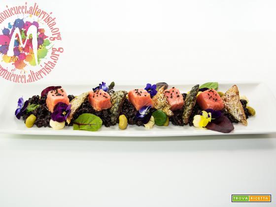 Salmone confit ai fiori con Riso al tè nero e arancia e maionese allo zenzero – I Menù del SorRISO