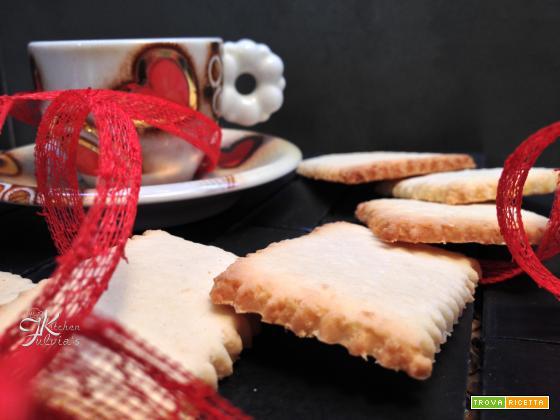 Biscotti di frolla al cocco senza uova