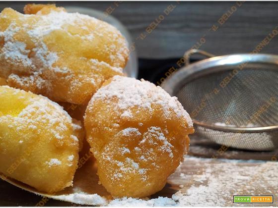 Frittelle di mele con farina di riso e cocco