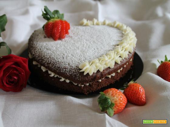 Cuor di torta cioccolato e fragole