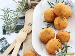 Polpette di Polenta, Olive e Rosmarino