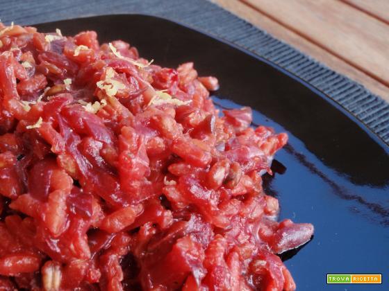 Riso e orzo in rosso agli agrumi