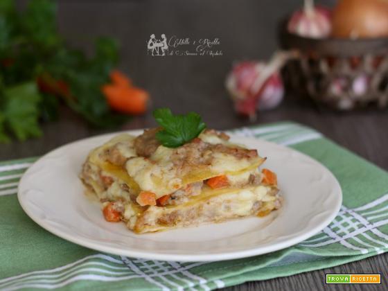 Lasagne cremose con salsiccia e funghi
