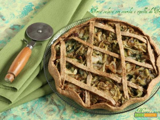 Torta salata con scarola e cipolla di Tropea