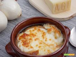Zuppa di cipolle - Soupe à l'oignon