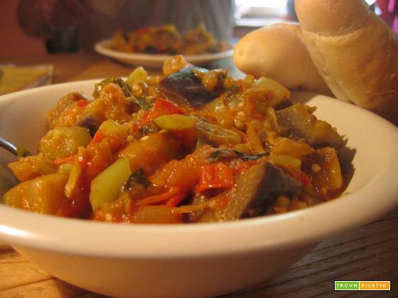 Ratatouille - Melanzane, peperoni e zucchine in padella